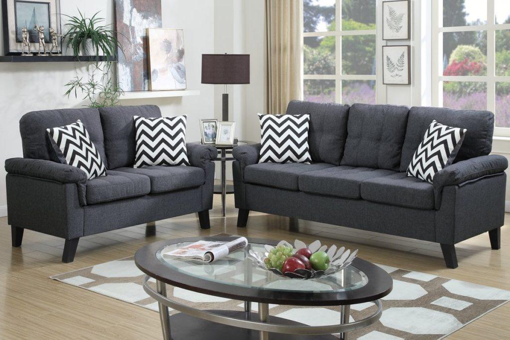 Kursi tamu minimalis yang tepat dan pilihlah warna serta model kursi yang kamu inginkan.
